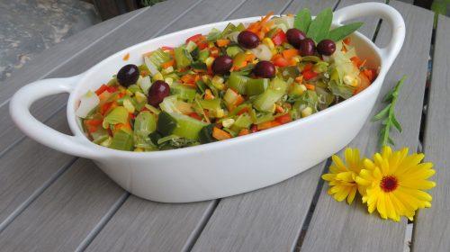 min-diaetists-lune-salat-af-porrer-majs-gulerod-og-peberfrugt-thumbnail
