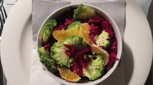 min-diaetists-roedbedesalat-med-broccoli-og-appelsin-thumbnail