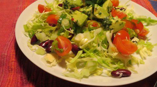 min-diaetists-mexicanske-salat-med-avocado-kidneyboenner-og-jalapenos-thumbnail